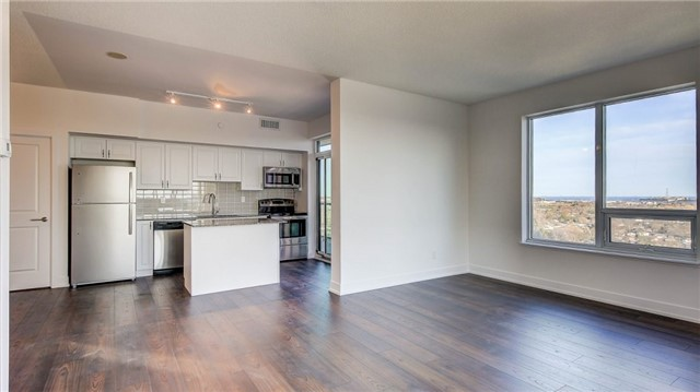 Condo Apartment at 1215 Bayly St, Unit 1605, Pickering, Ontario. Image 4