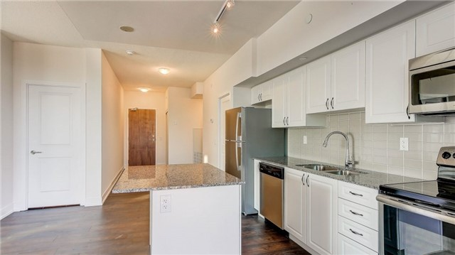 Condo Apartment at 1215 Bayly St, Unit 1605, Pickering, Ontario. Image 6