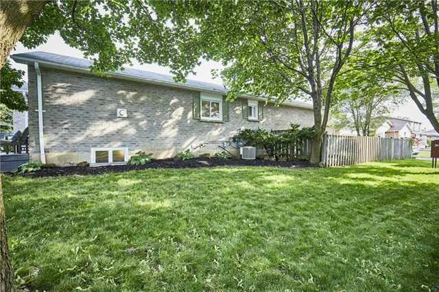 Detached at 32 Regency Cres, Whitby, Ontario. Image 12