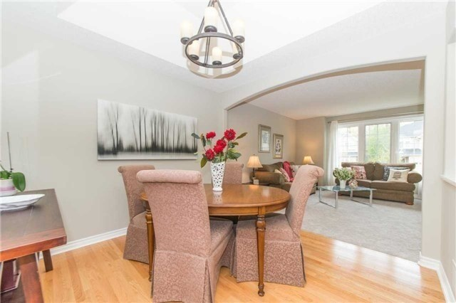 Detached at 5 Stillwater Crt, Whitby, Ontario. Image 17