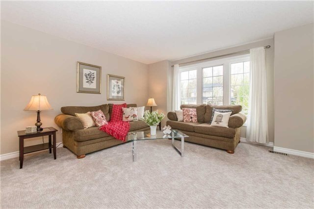Detached at 5 Stillwater Crt, Whitby, Ontario. Image 18
