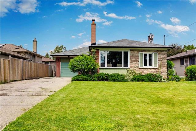 Detached at 854 Moretta Ave, Pickering, Ontario. Image 1