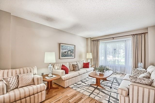Detached at 1220 Abbey Rd, Pickering, Ontario. Image 12