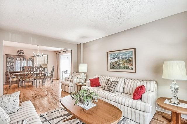 Detached at 1220 Abbey Rd, Pickering, Ontario. Image 14