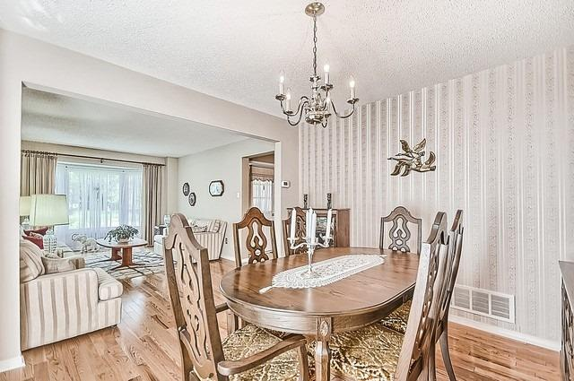 Detached at 1220 Abbey Rd, Pickering, Ontario. Image 15