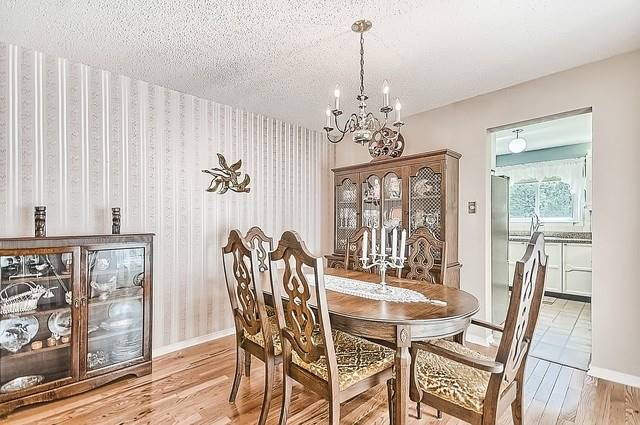 Detached at 1220 Abbey Rd, Pickering, Ontario. Image 16