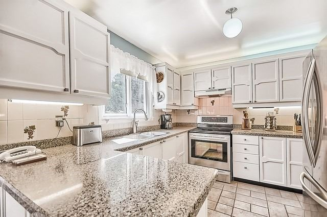 Detached at 1220 Abbey Rd, Pickering, Ontario. Image 18