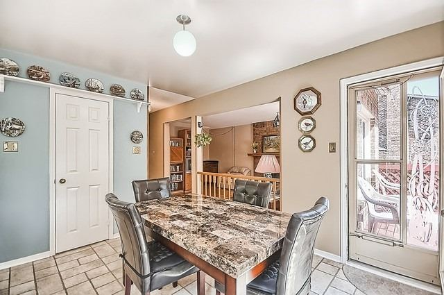 Detached at 1220 Abbey Rd, Pickering, Ontario. Image 2