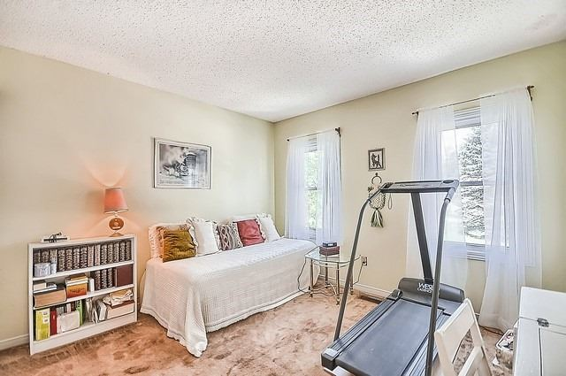 Detached at 1220 Abbey Rd, Pickering, Ontario. Image 7