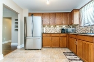 Detached at 857 Copperfield Dr, Oshawa, Ontario. Image 2