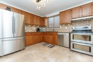 Detached at 857 Copperfield Dr, Oshawa, Ontario. Image 3