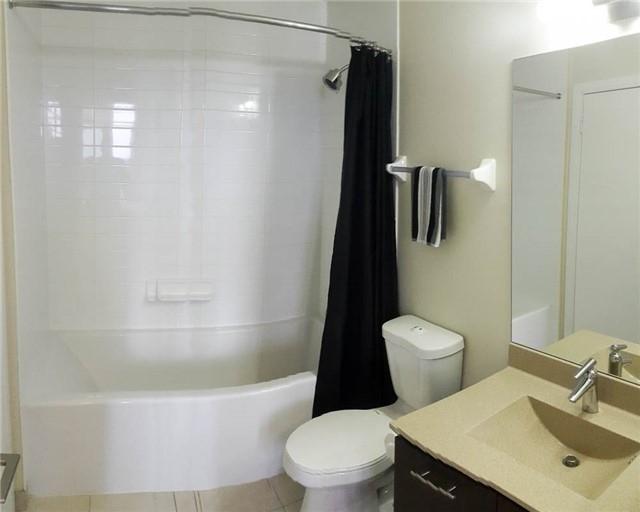 Condo Apartment at 135 Village Green Sq, Unit Ph18, Toronto, Ontario. Image 15