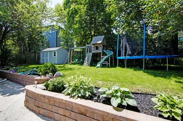 Detached at 22 Meadowvale Rd, Toronto, Ontario. Image 11