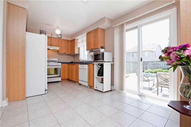 Detached at 30 Virginia Dr, Whitby, Ontario. Image 17
