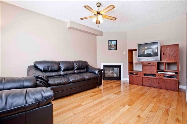 Detached at 30 Virginia Dr, Whitby, Ontario. Image 18