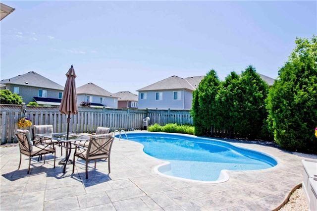 Detached at 30 Virginia Dr, Whitby, Ontario. Image 11