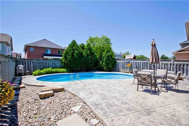 Detached at 30 Virginia Dr, Whitby, Ontario. Image 13