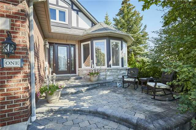 Detached at 1 Kilbride Dr, Whitby, Ontario. Image 12