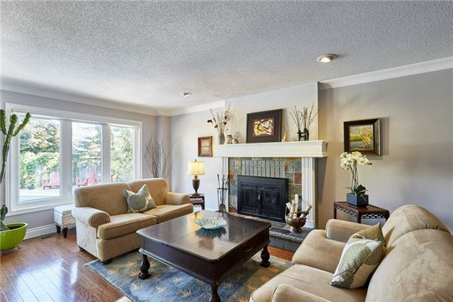 Detached at 1 Kilbride Dr, Whitby, Ontario. Image 16