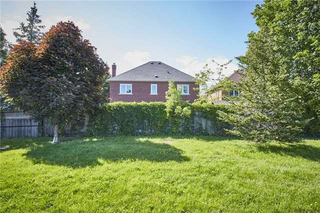 Detached at 1 Kilbride Dr, Whitby, Ontario. Image 7