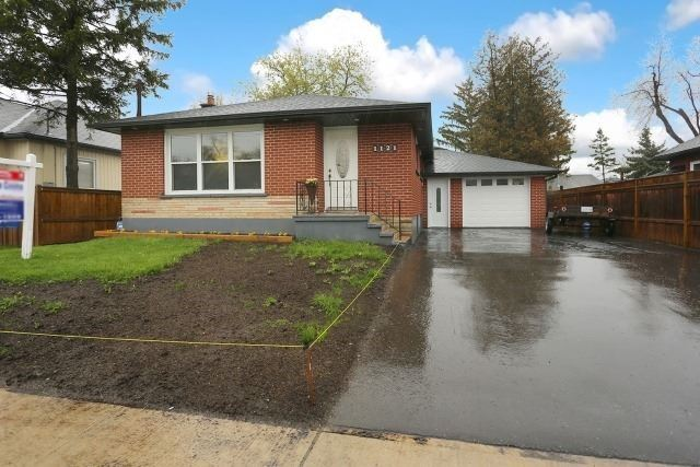 Detached at 1121 Brock St S, Whitby, Ontario. Image 1