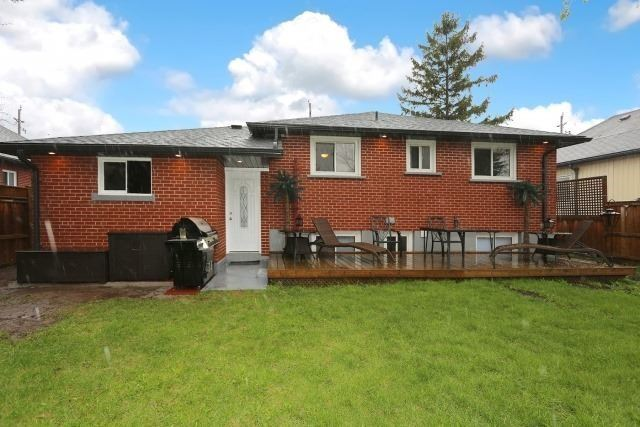 Detached at 1121 Brock St S, Whitby, Ontario. Image 13