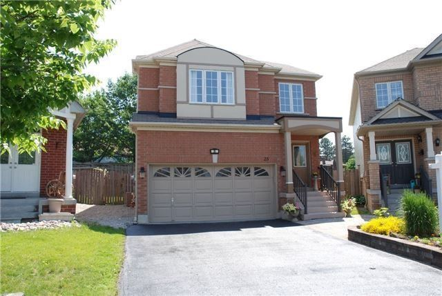 Detached at 25 Lonsdale Crt, Whitby, Ontario. Image 1