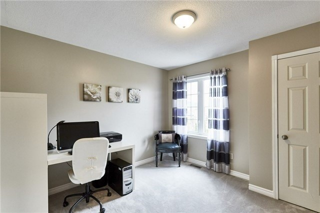 Detached at 25 Lonsdale Crt, Whitby, Ontario. Image 5