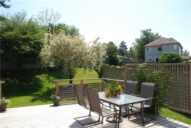 Detached at 25 Lonsdale Crt, Whitby, Ontario. Image 10