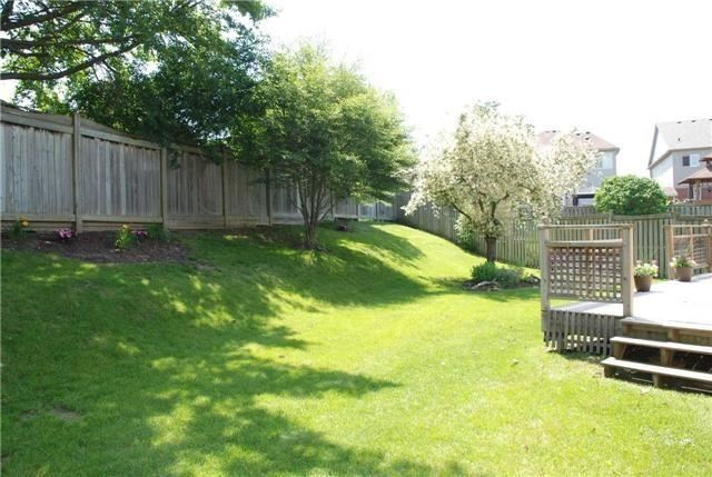 Detached at 25 Lonsdale Crt, Whitby, Ontario. Image 13