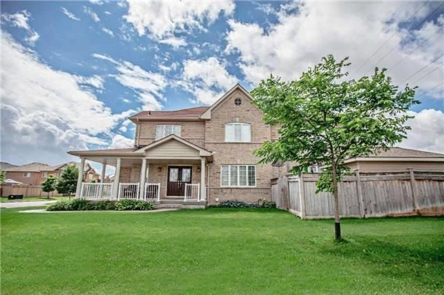 Detached at 20 Puttingedge Dr, Whitby, Ontario. Image 1