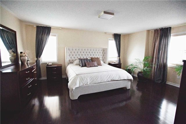 Detached at 20 Puttingedge Dr, Whitby, Ontario. Image 17