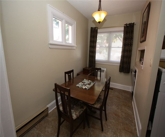 Triplex at 348/350 Arthur St, Oshawa, Ontario. Image 16
