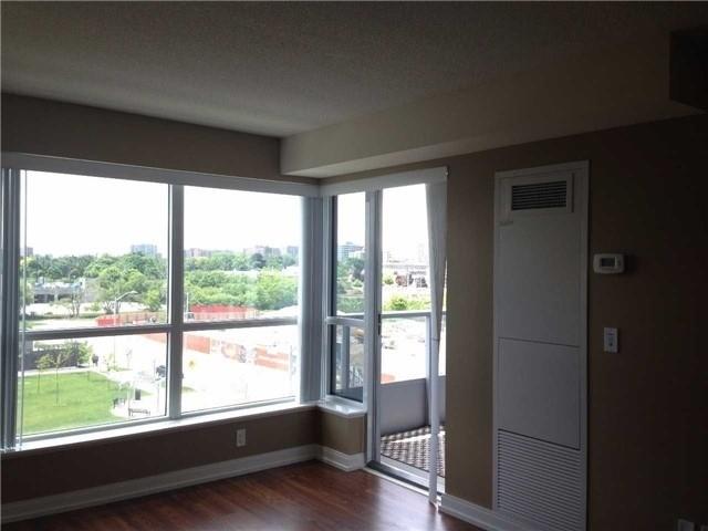 Condo Apartment at 181 Village Green Sq, Unit 517, Toronto, Ontario. Image 9