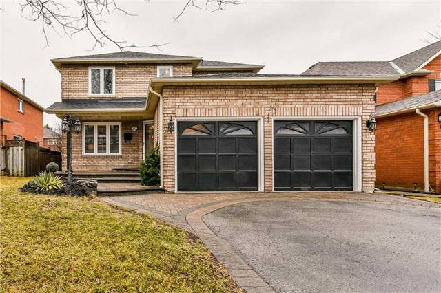 Detached at 20 Mantell Cres, Ajax, Ontario. Image 1
