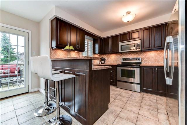 Detached at 20 Mantell Cres, Ajax, Ontario. Image 18
