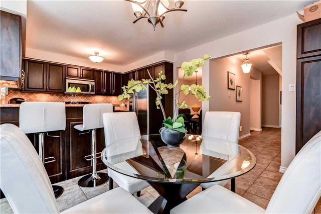 Detached at 20 Mantell Cres, Ajax, Ontario. Image 19