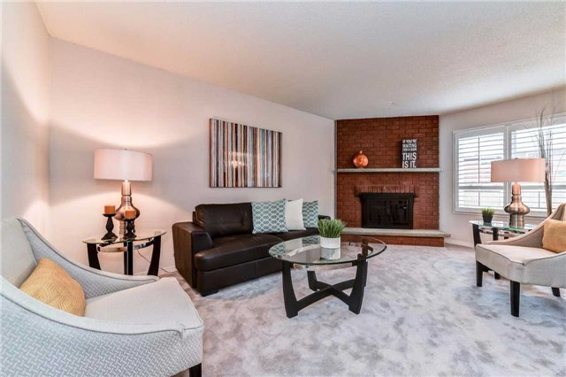 Detached at 20 Mantell Cres, Ajax, Ontario. Image 2
