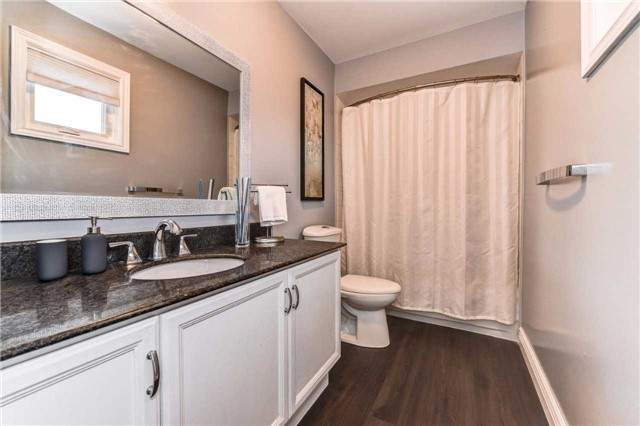 Detached at 20 Mantell Cres, Ajax, Ontario. Image 5