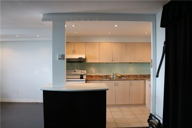 Condo Apartment at 2550 Pharmacy Ave, Unit 1701, Toronto, Ontario. Image 5