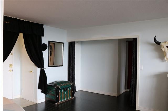 Condo Apartment at 2550 Pharmacy Ave, Unit 1701, Toronto, Ontario. Image 9