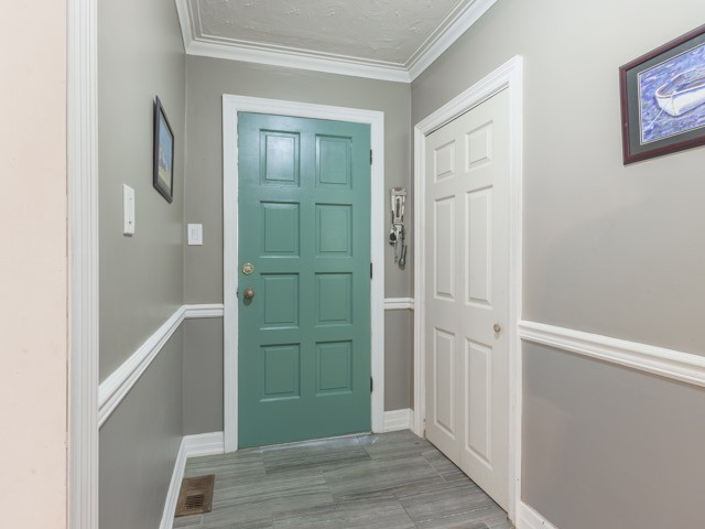 Detached at 38 Tralee Ave, Toronto, Ontario. Image 12