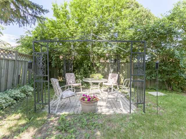 Detached at 38 Tralee Ave, Toronto, Ontario. Image 11