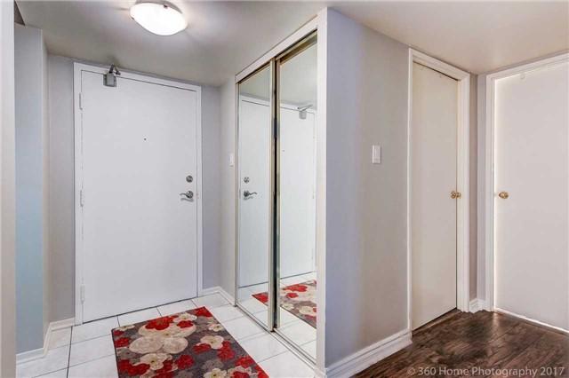 Condo Apartment at 1525 Diefenbaker Crt, Unit 104, Pickering, Ontario. Image 15