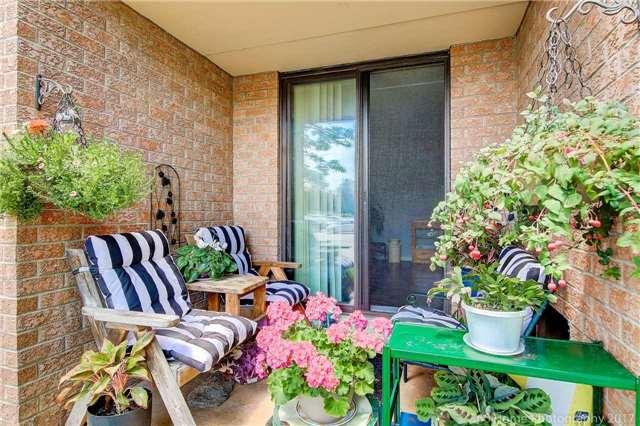 Condo Apartment at 1525 Diefenbaker Crt, Unit 104, Pickering, Ontario. Image 8