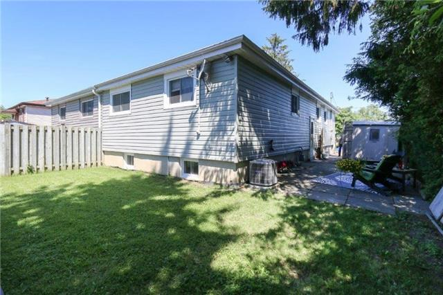 Semi-detached at 975 Mink St, Pickering, Ontario. Image 7