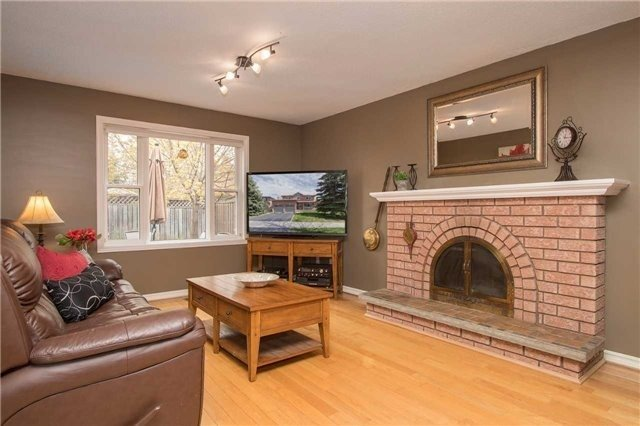 Detached at 67 Deverell St, Whitby, Ontario. Image 20