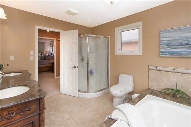 Detached at 67 Deverell St, Whitby, Ontario. Image 5