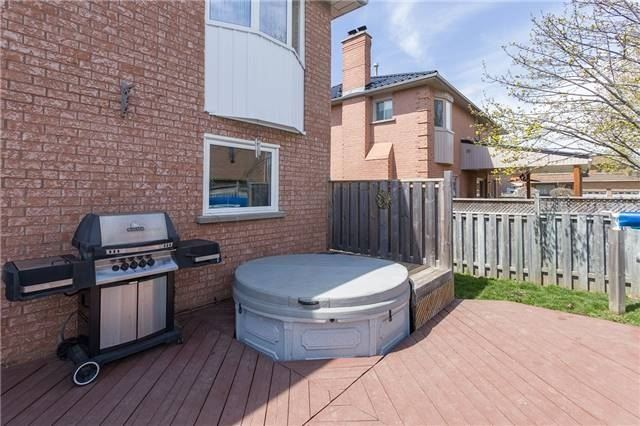 Detached at 67 Deverell St, Whitby, Ontario. Image 9