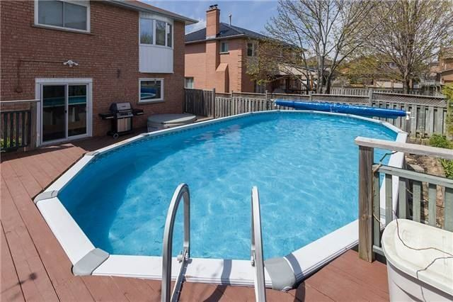 Detached at 67 Deverell St, Whitby, Ontario. Image 11
